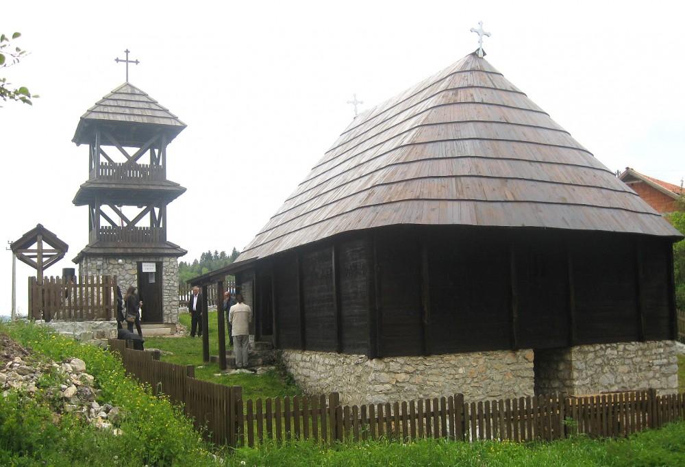 Potomstvu u amanet – crkva brvnara u selu Radijevići (foto: D. Gagričić)