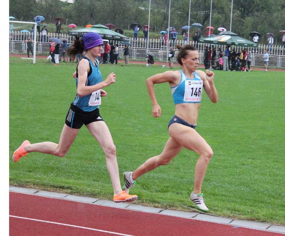 Amela Terzić (sa maramom) pobedila na 1.500 metara