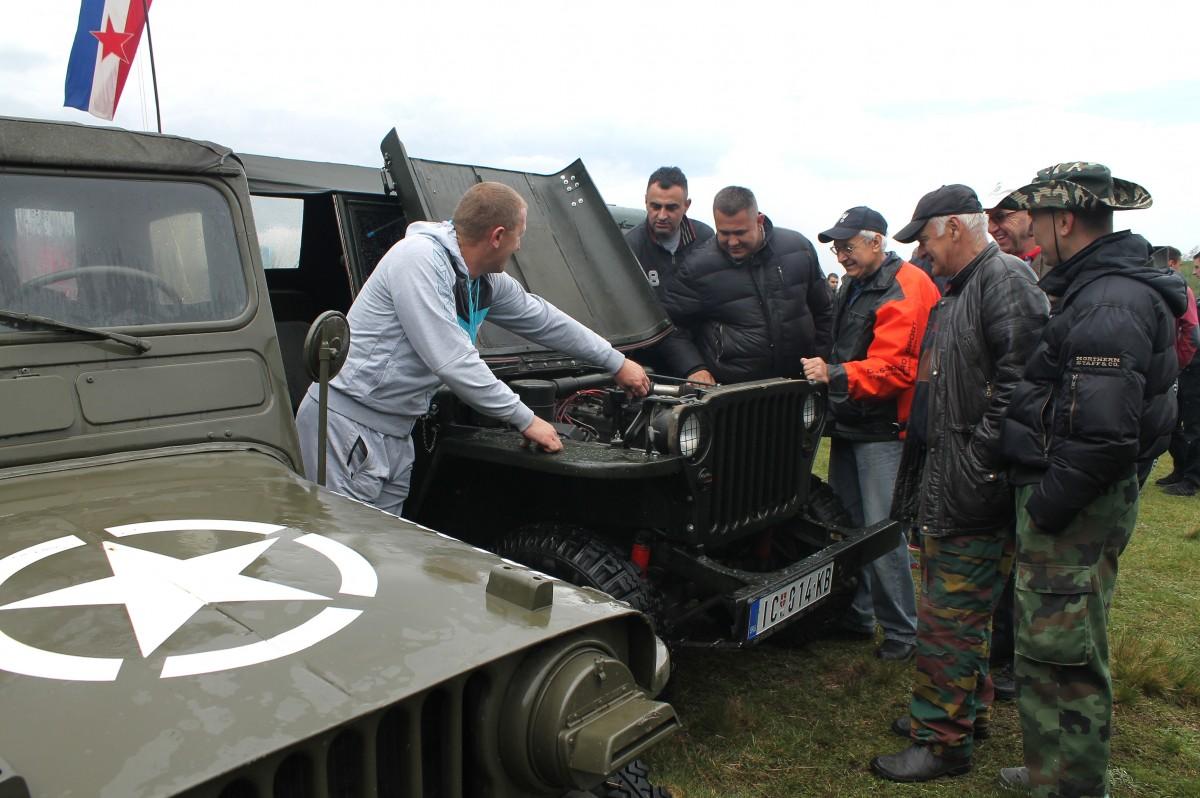 Смотра теренаца - власници и возачи размењивали искуства