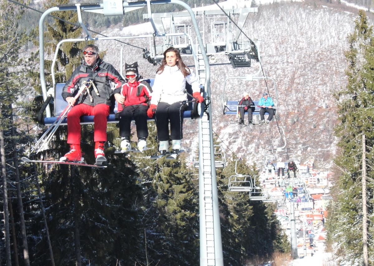 Скијање и сунчање на Златару Фотографисано дана 06. фебруара 2016. године