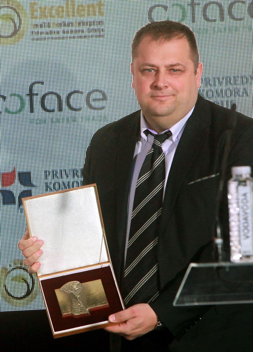 Branko Bjelić sa nagradom (foto: Rade Prelić)
