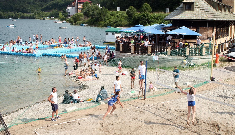 Одбојка на песку на Златарскогм језеру