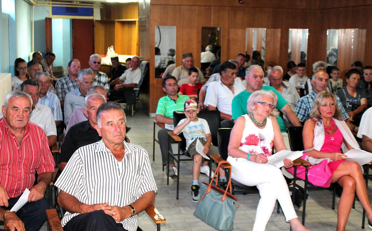 Певање извика - Пета Скупштина уз учешће 50 настављaча народне традиције