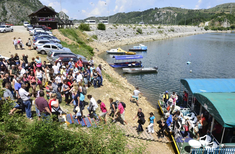 Вожња катамараном - Увачко језеро - Лето 2016