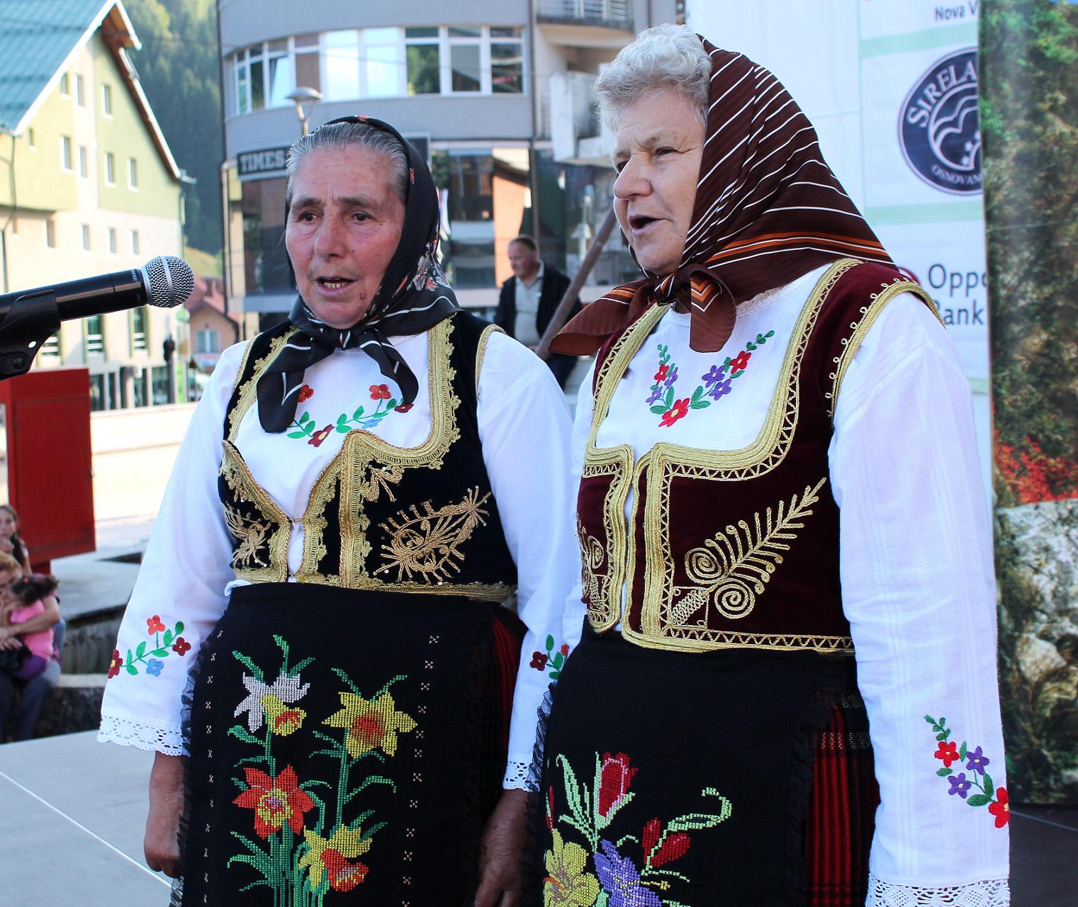 Благо предака - лепота песме и народне ношње Шести сабор певања извика - ЗлатарФест 2016