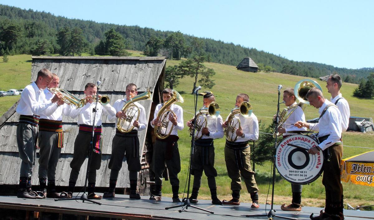 Свирај трубо, на весеље и ни за шта друго - оркестар Грујичића
