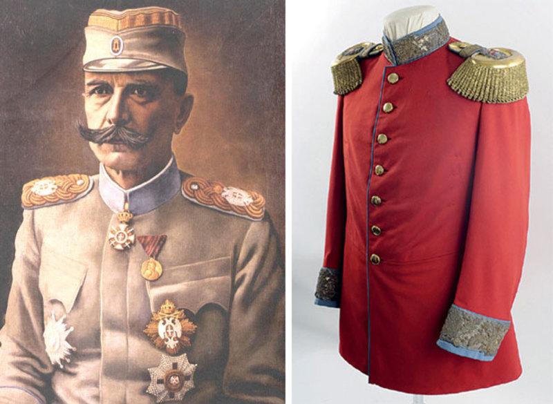 Црвени мундир, најсвечанији део одеће војводe Бојовића