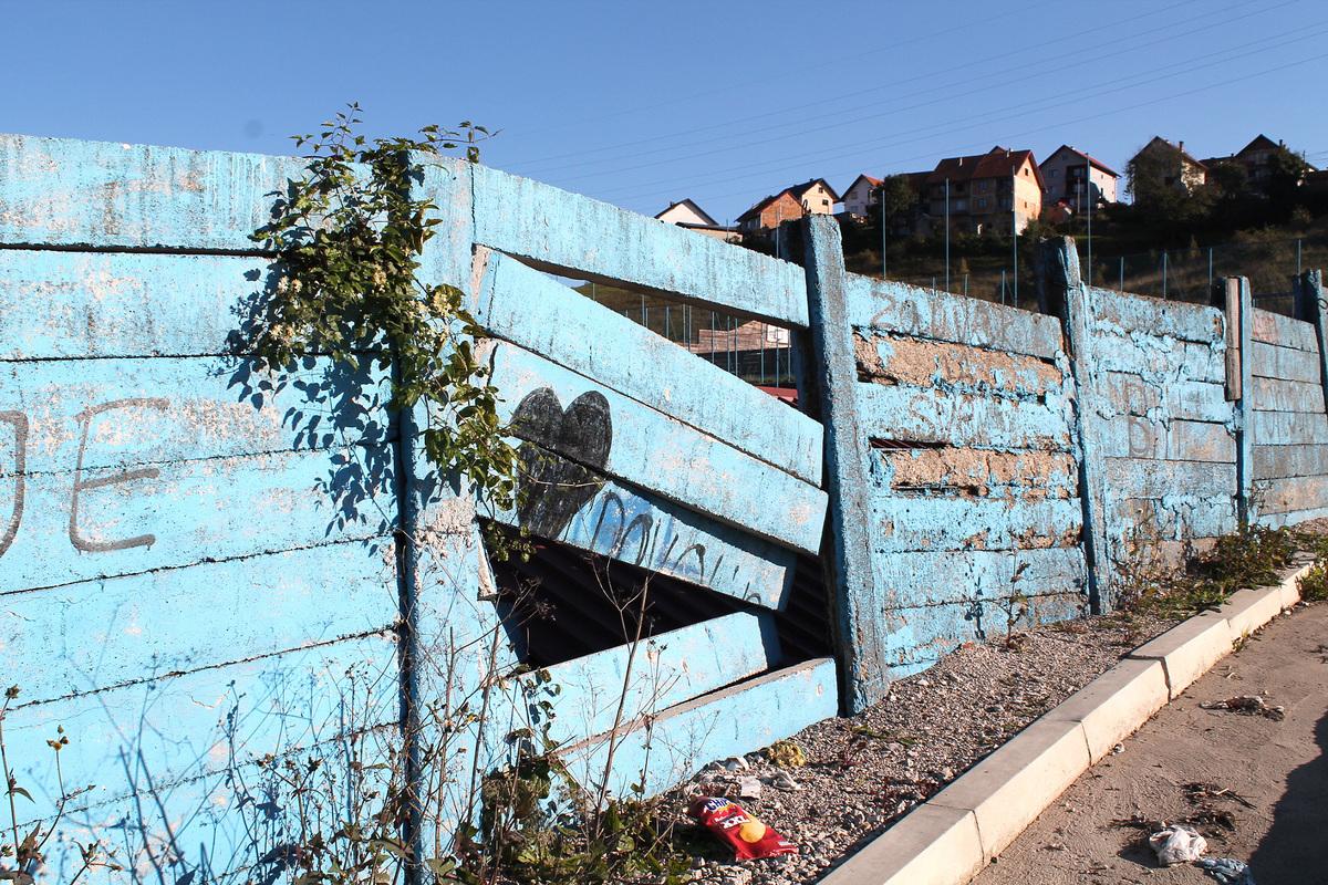 Ruglo - rusi se ograda stadiona Branosevac 6